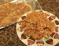 Check out this easy Peanut Brittle Recipe made in the microwave! #candyrecipes