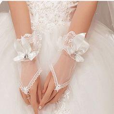 2016 Hot Sales Cheaper Bride Wedding Gloves Crystal Bow Tulle Short Design White Fingerless Women Gauze Gloves