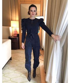 Daisy x Ulla Johnson in London today doing press for Star War Daisy Ridley Hot, Daisy Ridley Star Wars, English Actresses, British Actresses, Driving Miss Daisy, London Today, Ulla Johnson, Courses, Beautiful Actresses