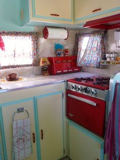 vintage trailer kitchen.  A someday dream.....:)