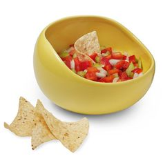 No spill, smart Salsa Bowl... I need this!