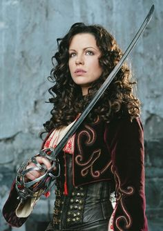 Kate Beckinsale as Anna Valerious in Van Helsing movie, 2004 director Stephen Sommers. Basis for work - promo photo for the film [link] Anna Valerious Female Movie Characters, Kate Beckinsale Hot, Castlevania Netflix, Leather Bustier, Woman Movie, Princess Anna, Halloween Disfraces, Pearl Harbor, Movie Photo