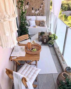 71 Comfortable Home Balcony Decoration Design and Ideas - Balcony Decor - Balkon Small Balcony Design, Small Balcony Decor, Terrace Design, Balcony Ideas, Tiny Balcony, Small Balconies, Small Patio Ideas Townhouse, Apartment Balcony Garden, Terrace Ideas