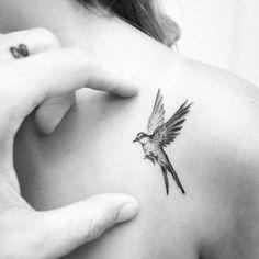 Ideas Bird Tattoo Cardinal Beautiful For 2019 - Ideas Bird Tattoo Cardinal Beautiful For 2019 You are in the right place about tattoo fonts Her - Tatoo Bird, Swallow Bird Tattoos, Simple Bird Tattoo, Little Bird Tattoos, Mini Tattoos, Cute Tattoos, Body Art Tattoos, Small Tattoos, Tattoos For Guys
