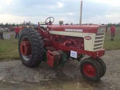 International Harvester Farmall Model 560 Diesel farm tractor  Key fob