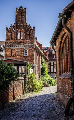 Alley in Stralsund, Mecklenburg-Vorpommern, Germany | by Tom Waldek