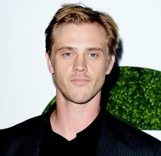 boyd holbrook on his addictive new netflix show 'narcos'