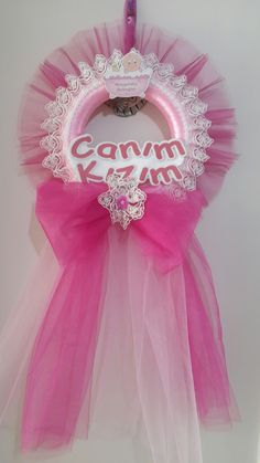 Discover recipes, home ideas, style inspiration and other ideas to try. Baby Crafts, Diy And Crafts, Diaper Cake Boy, Tulle Wreath, Baby Keepsake, Baby Shower, Tutu, Style Inspiration, Baby Wreaths