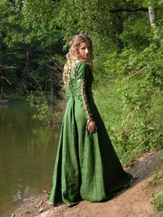 """Dress Tunic """"Forest Princess"""" fantasy, fairytale, forest, maiden, This garb rings a bell for late medieval tunic or early medieval dress. Medieval Tunic, Medieval Clothing, Historical Clothing, Medieval Dress Pattern, Gypsy Clothing, Renaissance Costume, Medieval Costume, Fashion Fantasy, Steampunk Fashion"""