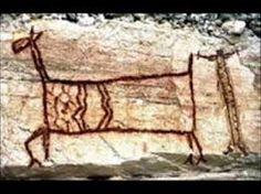 resultado de imagem de arte rupestre                                                                                                                                                      Mais Ancient Ruins, Ancient Art, Paleolithic Art, Art Rupestre, Rock Art, Different Colors, Carving, Drawings, Illustration