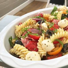 A really easy Italian pasta salad, totally loaded with mouthwatering flavours, there's only 10 minutes of cooking needed to throw this meal together, making it perfect for eating on hot days …