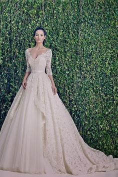 WEDDING DRESSES: ZUHAIR MURAD BRIDAL FALL 2014 #gorgeous #weddinggown #theweddingbelle - For more ideas and inspiration like this, check out our website at www.theweddingbelle.net