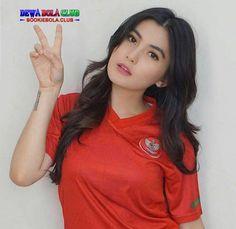 - So Funny Epic Fails Pictures Football Girls, Football Fans, Chelsea Fans, Epic Fail Pictures, Timor Leste, Beautiful Sunrise, Cute Girls, Fails, Soccer