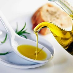 Shapeshifts - Vicky Seven Makeup: Natural Skin Care: Extravirgin Olive Oil [ITA]