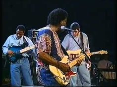 Buddy Guy reveals the origins of Jimi's idea for 'Voodoo Chile' - YouTube