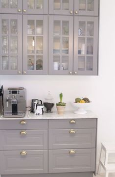 Kitchen of Valerie Aflalo Home Kitchens, Grey Kitchen Interior, Kitchen Remodel, Kitchen Design, Kitchen Inspirations, Kitchen Decor, New Kitchen, Bodbyn Kitchen Grey, Kitchen Interior
