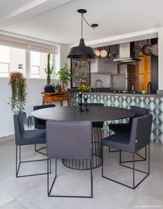 iSaloni Discover All The Dining Lighting Pieces II Home Interior Design, Interior Architecture, Bohemian Kitchen, Dinner Room, Dining Room Inspiration, Dining Room Lighting, House Rooms, Decoration, Sweet Home