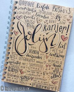 • Notitieboekje 'Jolijn' • ©️ 🖤📔💗 Cadeautjes krijgen is leuk, maar cadeautjes geven is vaak nóg leuker. Dus wie hier het meest blij van…