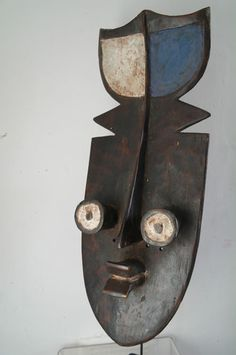 African Grebo Kru war mask from Cote D'Ivoire (via Ethnic-hut).  See too the following site for additional African mask images and information: http://www.zyama.com/index.htm