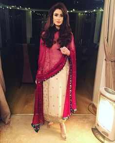 63 Trendy Ideas For Wedding Dresses Simple Rustic Brides Salwar Designs, Kurti Designs Party Wear, Pakistani Bridal Dresses, Pakistani Dress Design, Pakistani Outfits, Walima Dress, Pakistani Clothing, Bridal Lehenga, Indian Wedding Outfits