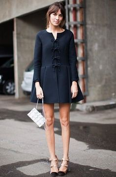 『5日 アレクサ・チャン Valentinoのファッションショーへ PFW 最新画像★』