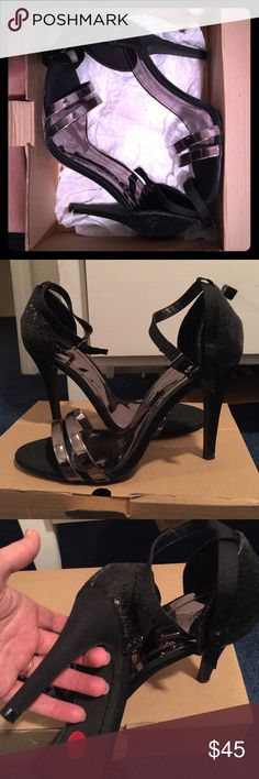 Zara Heels / zara shoes Zara sandal heel . Like new condition . Box states size US 9 and EURO 40 Zara Shoes Heels