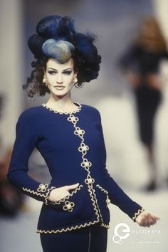Karen Mulder - CHANEL, Haute Couture 1992
