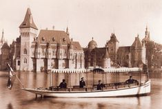 Budapest anno - How Budapest looked like in the past times ? How the people lived in Budapest a hundred years ago ? A Hundred Years, Budapest Hungary, Old Photos, The Past, Building, Travel, Castles, Pictures, Old Pictures