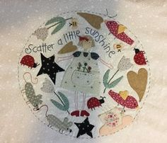 This amazing photo can be an inspirational and exceptional idea Cat Applique, Applique Quilt Patterns, Applique Fabric, Colchas Country, Country Quilts, Quilt Labels, Wool Embroidery, Doll Quilt, Patch Quilt