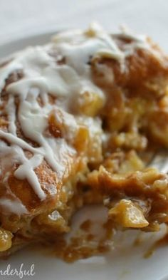 Glazed Apple Fritter Breakfast Casserole made with layers of croissants, caramelized apples and cream flavored with apple butter, all baked to perfection. Looks delicious but time consuming. Breakfast And Brunch, Breakfast Items, Breakfast Bake, Breakfast Dishes, Breakfast Casserole, Breakfast Recipes, Brunch Recipes, Dessert Recipes, Desserts