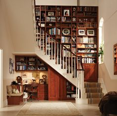 At home library and office nook, wow. I love using space under stairs for cool ideas. Cozy Office, Office Nook, Mini Office, Study Office, Future House, My House, Space Under Stairs, Home Libraries, Public Libraries