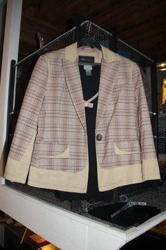 une veste un peu rétro que je trouve très élégante
