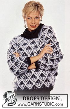 """DROPS jumper in black and white with raglan sleeve in """"Karisma Superwash"""" and """"Vienna"""". - Free pattern by DROPS Design Knitting Patterns Free, Knit Patterns, Free Knitting, Free Pattern, Drops Design, Pull Jacquard, Magazine Drops, Weaving Yarn, Men Sweater"""