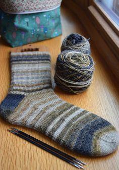 Susan B. Anderson: Full of Good Moments Wool Socks, Knitting Socks, Hand Knitting, Knitting Patterns, Susan B Anderson, Knit Or Crochet, Crotchet, Lots Of Socks, Spinning