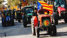 Tractors marching in Barcelona in support for the 1-O.