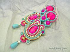 Long Statement Fuchsia Soutache Earring by elrinconcitodezivi Soutache Earrings, Rhinestone Earrings, Turquoise Earrings, Diy Earrings, Elegant Woman, Teal And Gold, Handmade Jewelry, Unique Jewelry, Leather Earrings