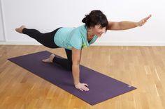 Rörelseövning där du sträcker diagonalt på kroppen Yoga Gym, Yoga Fitness, Health Fitness, Qigong, My Way, Back Pain, At Home Workouts, Abs, Exercise