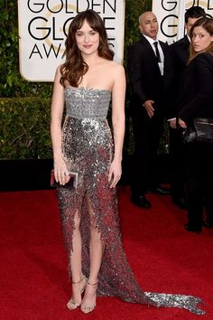 Dakota Johnson wore a Chanel strapless dress with Jimmy Choo sandals | #Impo #GoldenGlobe 2015