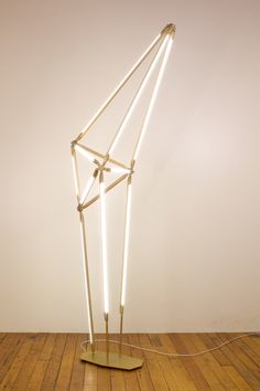 Geometric Light Fitting Inspired by Crystalline Structure