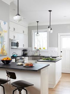 paint colors for small kitchens home design ideas from Kitchen Cabinet Colors For Small Kitchens