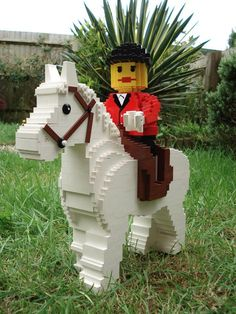 I did manage to get our horse finished for the recent display at LEGOLAND Windsor as part of the world record LEGO tower celebrations. Lego Toys, Lego Duplo, Legos, Lego Movie Sets, Lego Sculptures, Lego Animals, Lego Boards, Lego People, Lego For Kids