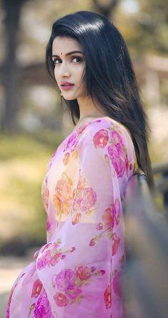 Indian Desi beauties Indian beautiful girl – Indian Desi Beauty – Indian Beautiful Girls and Ladies Beautiful Girl Photo, Beautiful Girl Indian, Most Beautiful Indian Actress, Beautiful Saree, Beautiful Eyes, Beautiful Women, Cute Beauty, Beauty Full Girl, Indian Photoshoot