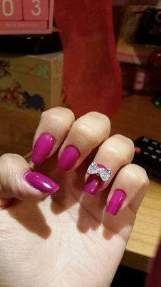 Gel nails with bow