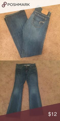 AEO Hipster Jeans Size 6 Regular. Some very small wear on back bottom hem as can be seen in first photo. American Eagle Outfitters Jeans