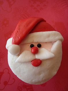 Here comes santa claus #cupcakes #christmas