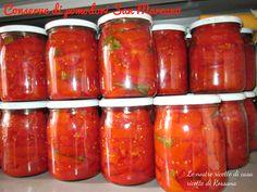 Pomodori san marzano a crudo Marzano, Deli Cafe, Canning Pickles, Romanian Food, Preserves, Italian Recipes, The Cure, Food And Drink, Jar