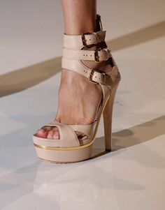 Who else loves the tri-buckle feature from this stylish @Gucci footwear?