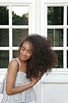 Hairdressing Tips You Need To Know About. As most people would agree, out hair is out crowning glory. We all want to have healthy hair, but for most people, it just looks flat and dull. Long Natural Hair, Pelo Natural, Natural Hair Growth, Natural Hair Journey, Long Curly Hair, Curly Hair Styles, Natural Hair Styles, Dull Hair, Afro Hairstyles