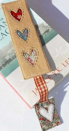 Looking for quilting project inspiration? Check out Patched Country Heart Bookmark by member The Patchsmith. Heart Bookmark, Bookmark Craft, Diy Bookmarks, Crochet Bookmarks, Fabric Art, Fabric Crafts, Sewing Crafts, Sewing Projects, Book Markers