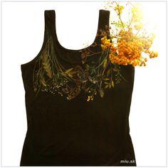 Čierne tielko s maľovanými lúčnymi kvetmi / miu - SAShE. Tank Tops, T Shirt, Women, Fashion, Supreme T Shirt, Moda, Halter Tops, Tee Shirt, Fashion Styles